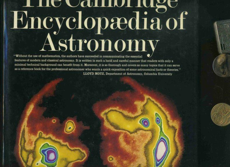 Cambridge Encyclopedia of Astronomy. Text in englischer Sprache / English-language publication. - Hill, Ann editor